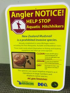 Signs along Rogue River warn anglers of invasive species